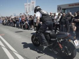 Najdłuższe palenie gumy na motocyklu - 2017