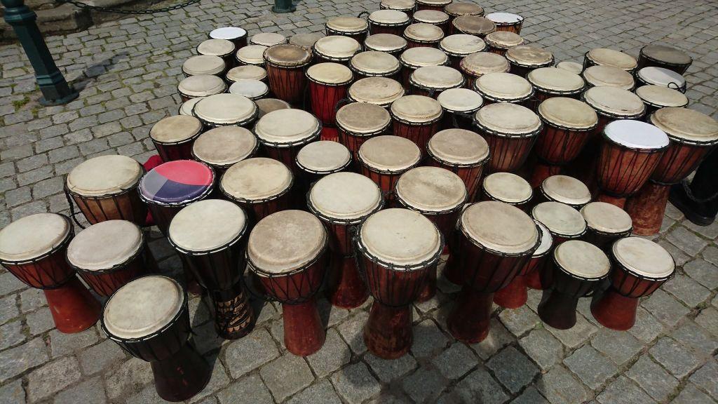 Najwięcej osób grających na bębenkach jednocześnie