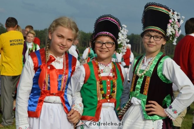 Największe zgromadzenie osób wstrojach ludowych - rekord Polski