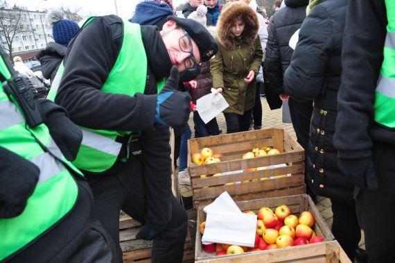 Rekord Polski wjedzeniu jabłek