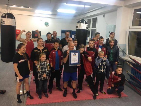 Uderzanie wworek bokserski - Rekord Polski