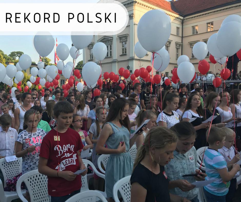 Najwięcej osób śpiewających pieśń patriotyczną - Rekord Polski