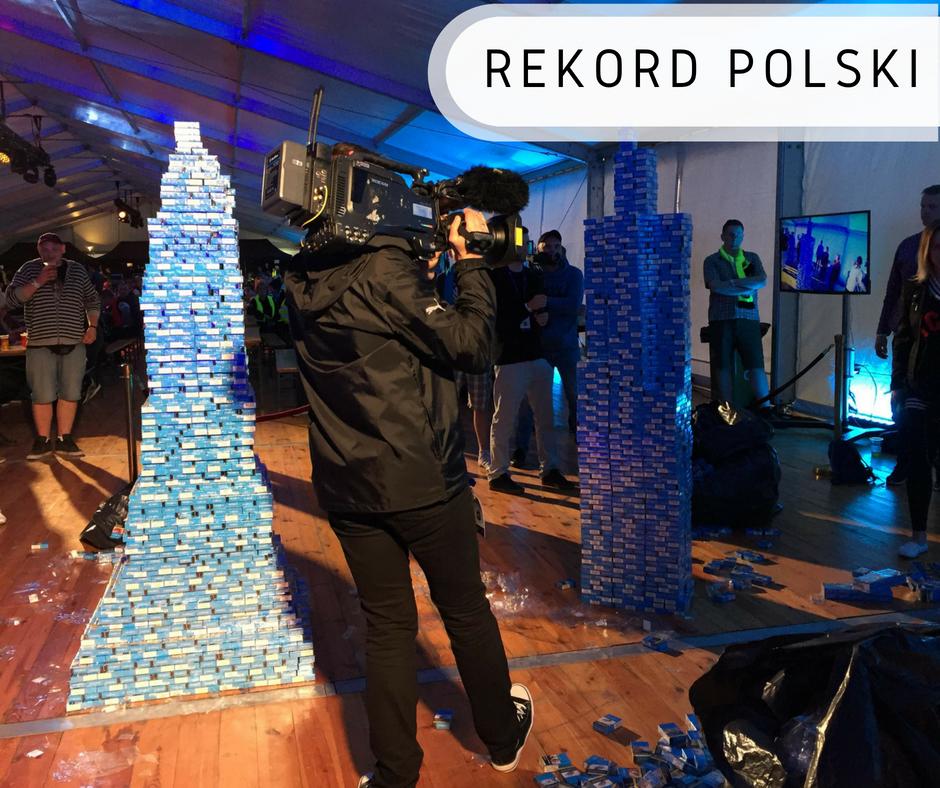 Największa wieża zpaczek papierosów - Rekord Polski