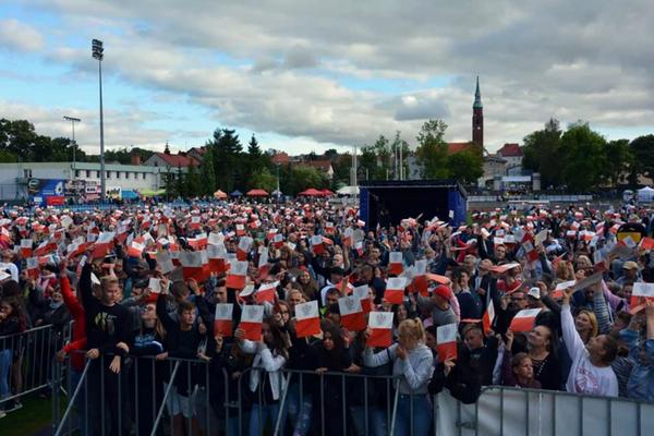 Rekord Polski - śpiewanie hymnu