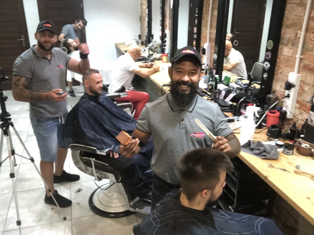 Szczeciński maraton strzyżenia włosów