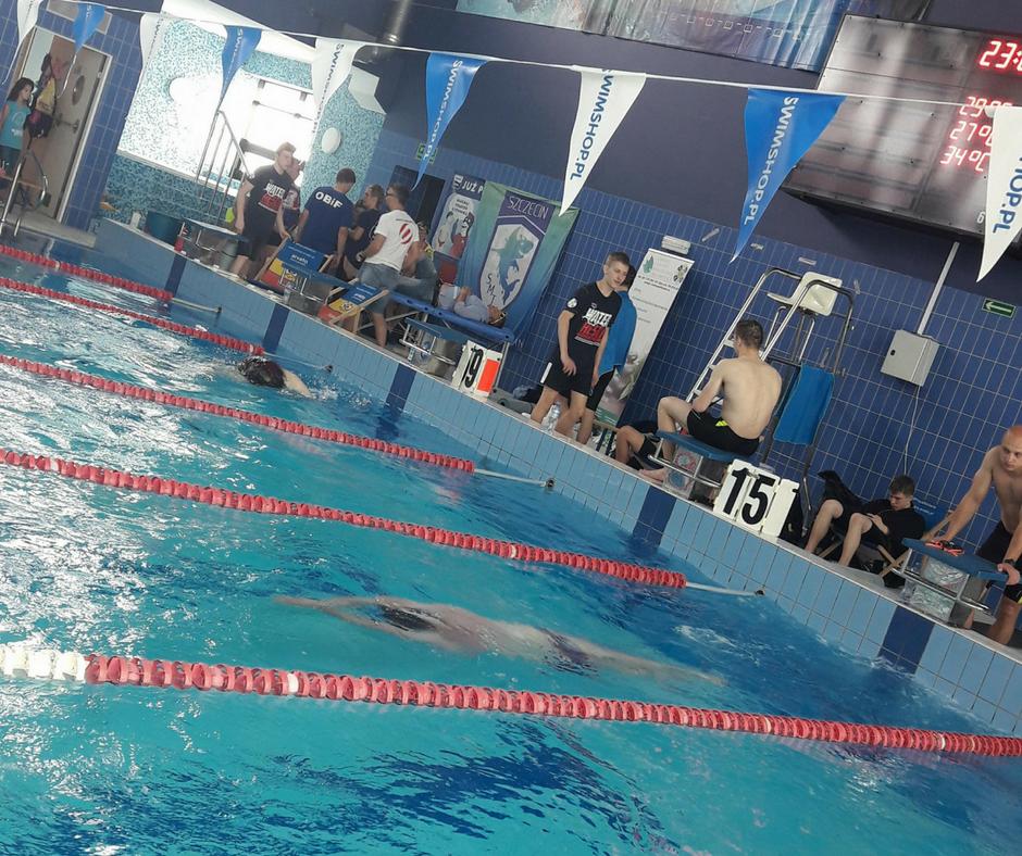 Najdłuższa sztafeta pływacka - Rekord Polski