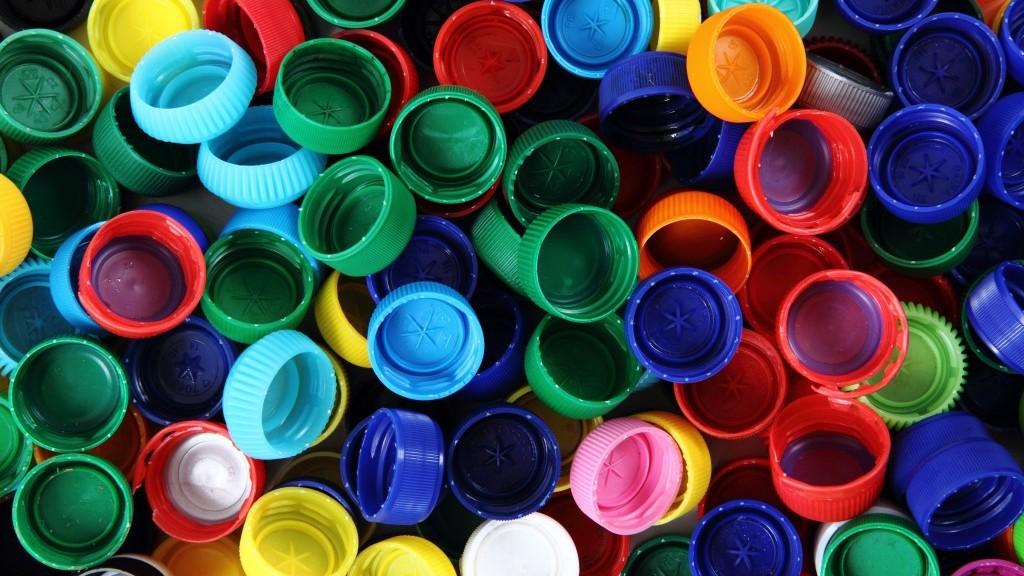 Plastikowe nakrętki
