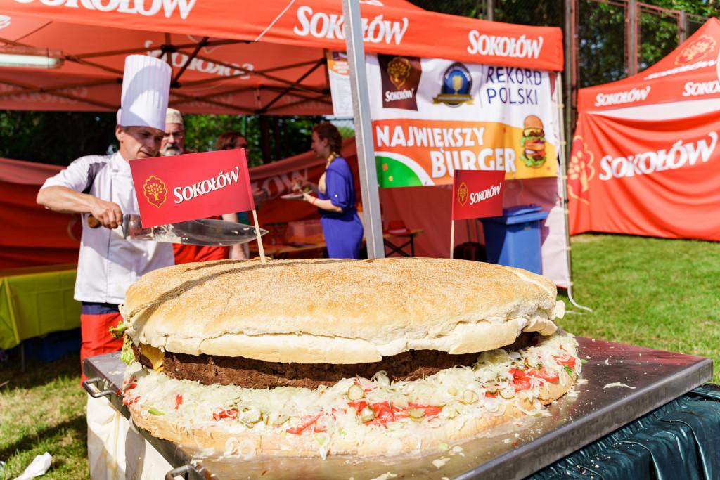 gigantyczny-burger