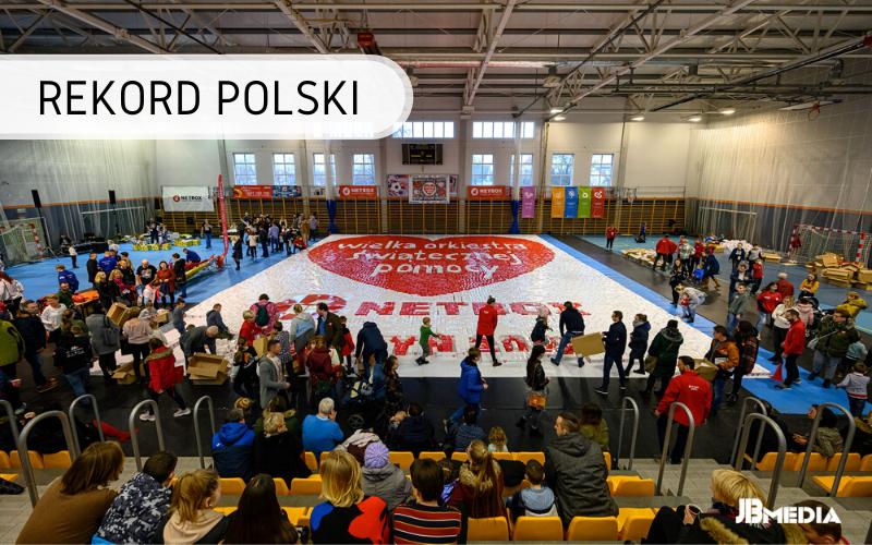 Rekord Polski - mozaika zkartonowych pudełek