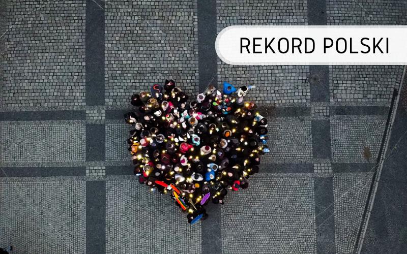 Rekord Polski - serce świecące zludzi