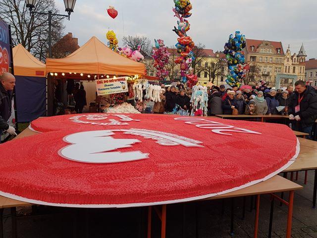 Największy wPolsce tort malinowy