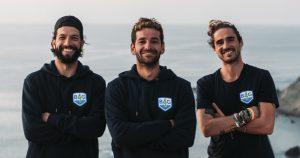 Podróż skuterem przezotwarty ocean