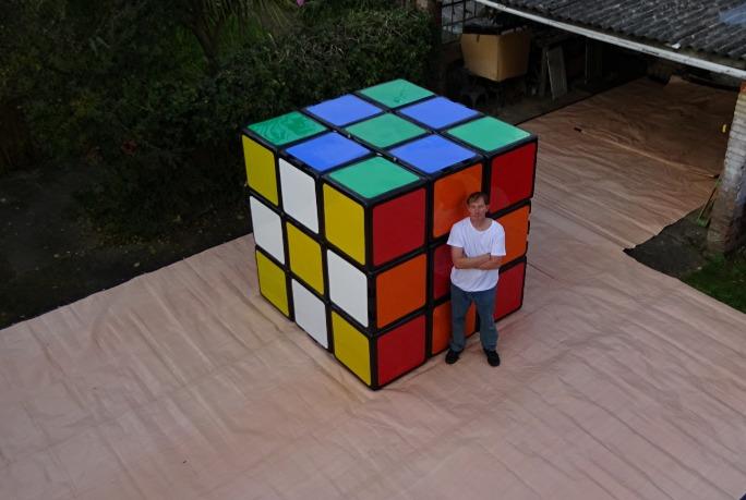 najwieksza-kostka-Rubika
