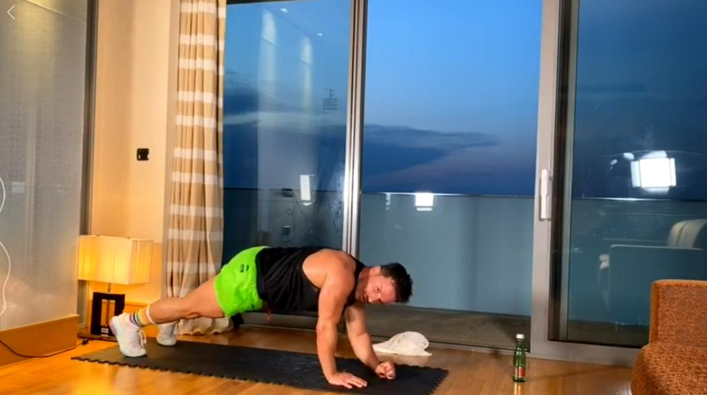 Rekord Polski wlekcji fitness online